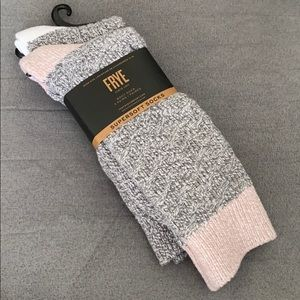 NEW!! 2 FRYE Boot Supersoft Socks